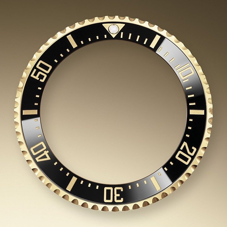 The 60-minute graduated, unidirectional rotatable bezel of the Sea-Dweller enables divers to precisely and safely monitor their dive and decompression times. It is equipped with a patented black Cerachrom bezel insert manufactured by Rolex in a virtually scratchproof ceramic whose colour is unaffected by ultraviolet rays. The graduation is coated via PVD (Physical Vapour Deposition) with a thin layer of gold. The sleek black dial features large Chromalight hour markers and hands, filled with luminescent material that emits a long-lasting blue glow for excellent legibility in dark conditions.