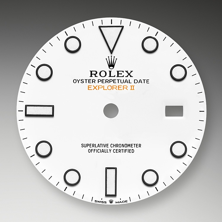 The Explorer II features a date display, an additional orange 24-hour hand and a fixed bezel with 24-hour graduations, enabling day to be distinguished from night. It became the watch of choice for speleologists, volcanologists and polar explorers. Its hour markers and hands feature a highly-legible Chromalight display with long-lasting blue luminescence.